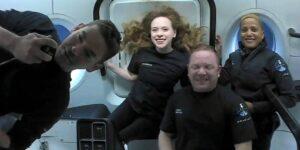La cápsula de la misión Inspiration4 de SpaceX ameriza con éxito en el Atlántico