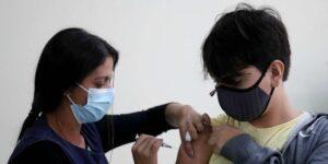 Datos muestran que vacuna de Pfizer y BioNTech es segura y da protección a niños
