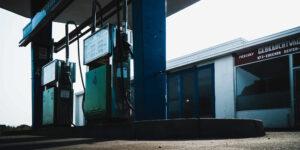Un invierno intenso afectaría más el precio del petróleo y la gasolina que otro repunte de Covid-19, advirtió Goldman Sachs