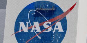 La NASA divide su departamento de vuelos espaciales tripulados en dos: una parte se centrará en misiones a Marte y la Luna, y la otra en la EEI