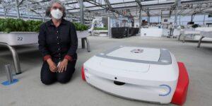 Una startup de Silicon Valley enfocada en robots agrícolas recauda 50 mdd en fondo de tecnología verde de Bill Gates