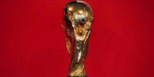 """Los clubes dicen que los planes de la FIFA para celebrar el Mundial cada 2 años tendrían un """"impacto destructivo"""""""