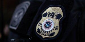 ICE paga 3.9 millones de dólares por tecnología de reconocimiento facial «rápido» impulsado por IA en los centros de detención de migrantes