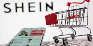 """Shein es un éxito comercial que supera a otras grandes tiendas de moda con un negocio que se basa en la """"moda rápida"""", una de las más contaminantes"""