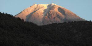 El Pico de Orizaba está solamente en el estado de Puebla y no en Veracruz —se lo debemos al Inegi