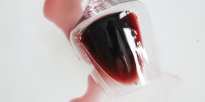 Cómo las bodegas de vino  luchan contra la nueva era de los estafadores —desde tinta que cambia de color y etiquetas de seguridad secretas