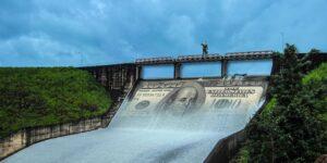 Financiar hidroeléctricas, un negocio inviable