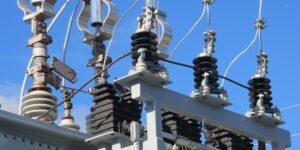 La reforma eléctrica traerá varios problemas en competencia e inversión, si se aprueba, advierten analistas —el gobierno quiere dar control total a CFE
