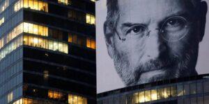 10 años después de la muerte de Steve Jobs su legado continúa —así revolucionó la industria de las computadoras e influyó sobre millones de personas