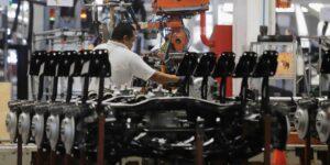 Producción de autos de México se hunde 33.30% interanual en septiembre, exportaciones también caen