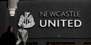 El Newcastle United es comprado por el Fondo de Inversión Pública de Arabia Saudita —y tendrá a los dueños más ricos en todo el mundo del futbol