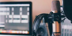 Spotify y la IBERO se alían para impartir un curso en línea sobre periodismo narrativo en podcast