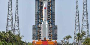 China enviará tres astronautas a su estación espacial a primera hora del sábado