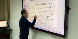 Arturo Herrera ahora es profesor del Colegio de México
