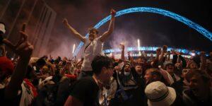 Inglaterra tendrá que jugar 2 partidos a puerta cerrada por el caos en el Estadio Wembley en final de la Eurocopa 2020