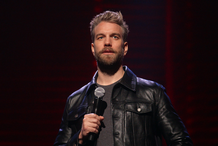 Anthony Jeselnik Uses His New Netflix Special to Punch Himself in the Face