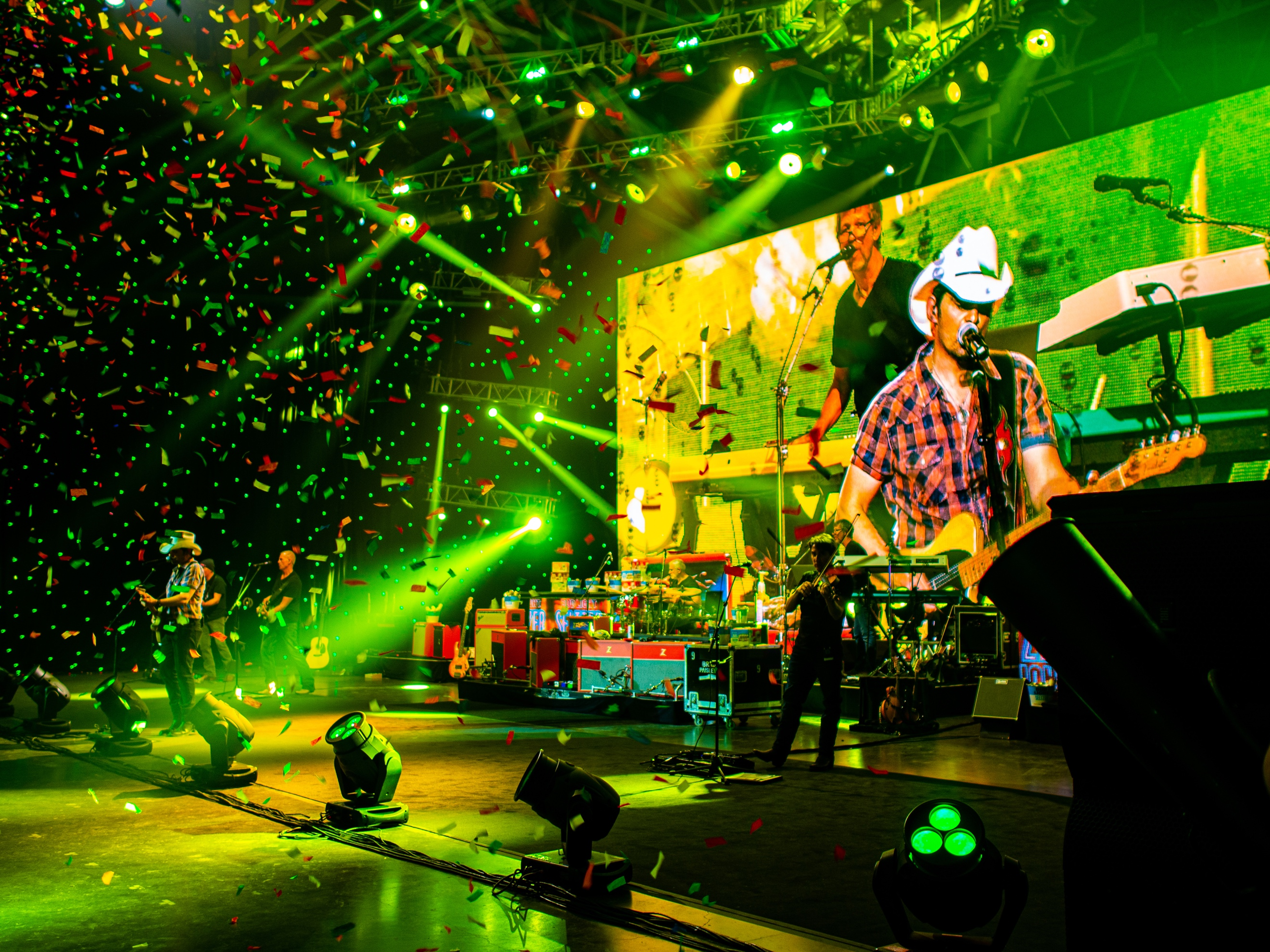 """Brad Paisley and Band – Together Again!  With """"Bud Light Seltzer Sessions: Your Flavor. Your Show."""""""