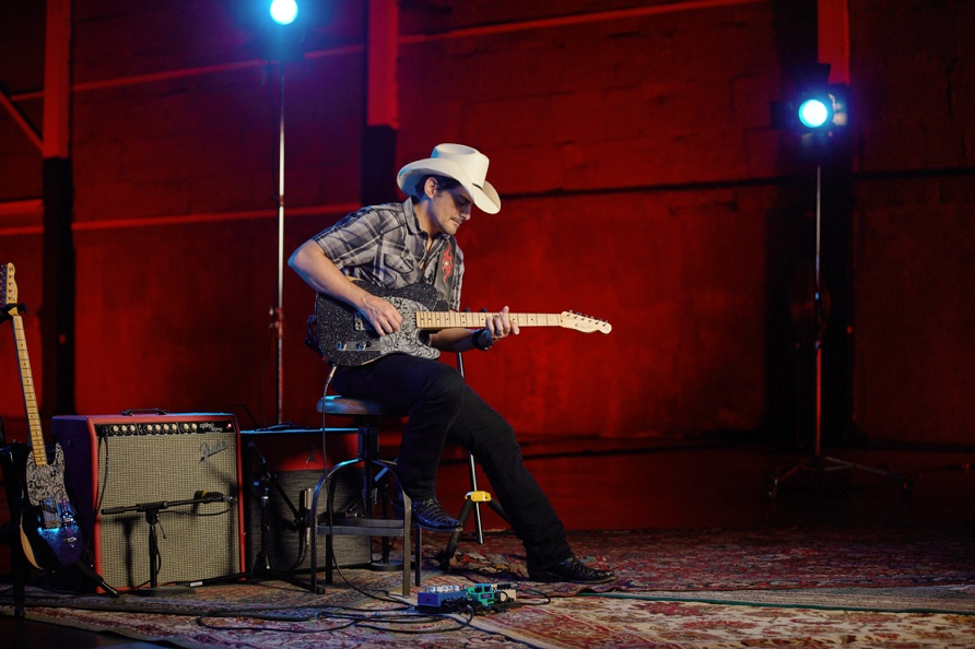 FENDER® BRAD PAISLEY SIGNATURE ESQUIRE® - Honors Country Music Superstar and Anniversary of Genre-Defining Guitar