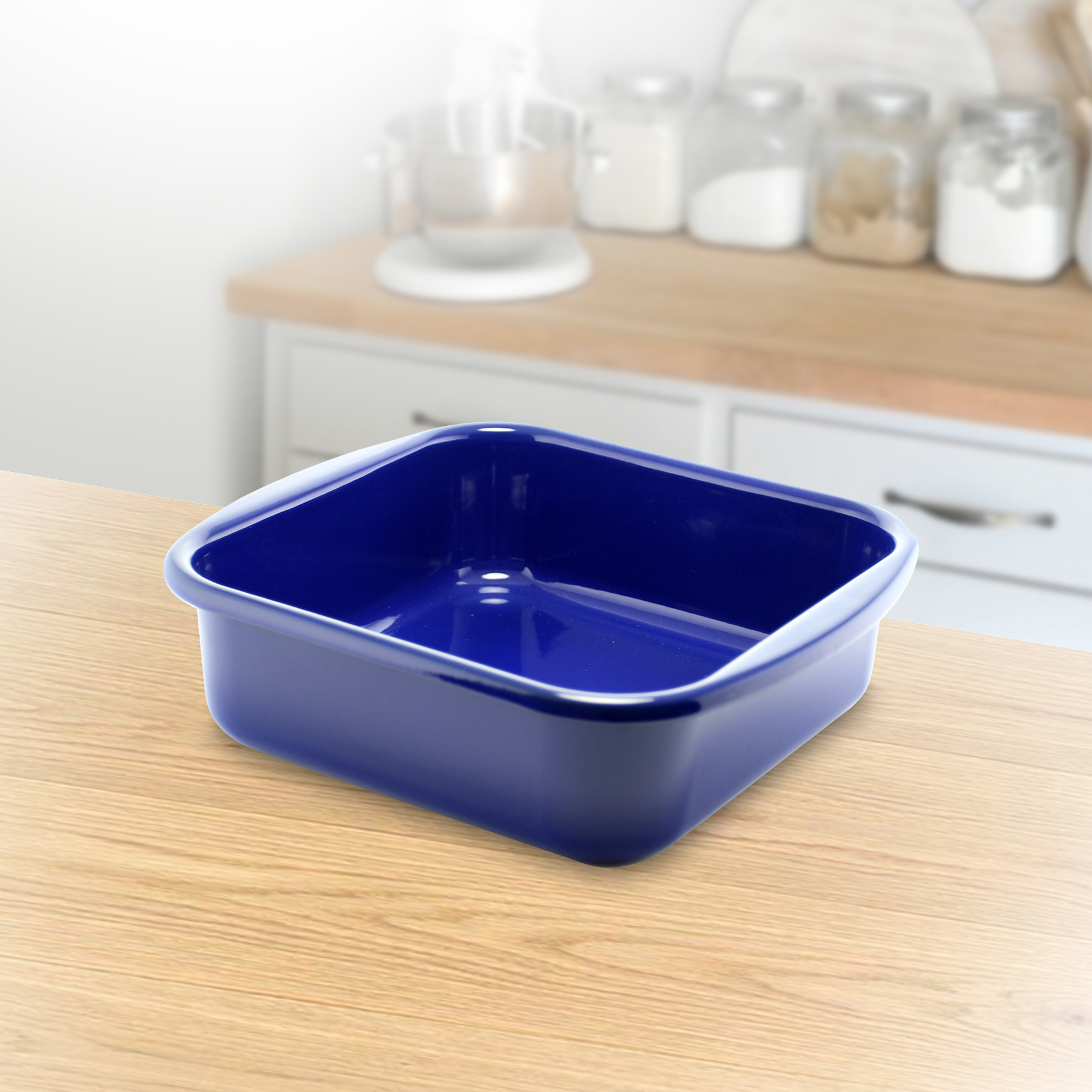 "8"" x 8"" square baker is a necessity in any kitchen for brownies, breads or small casseroles. RIESS is a family owned factory that has been producing kitchenware since 1550"