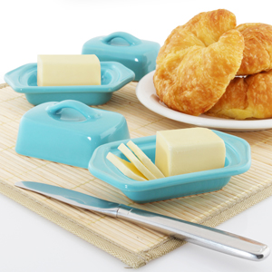 ceramic mini butter dish high-quality stoneware hand-sanded base for smooth no-scratch surface dishwasher-safe FDA & Prop 65 approved in action