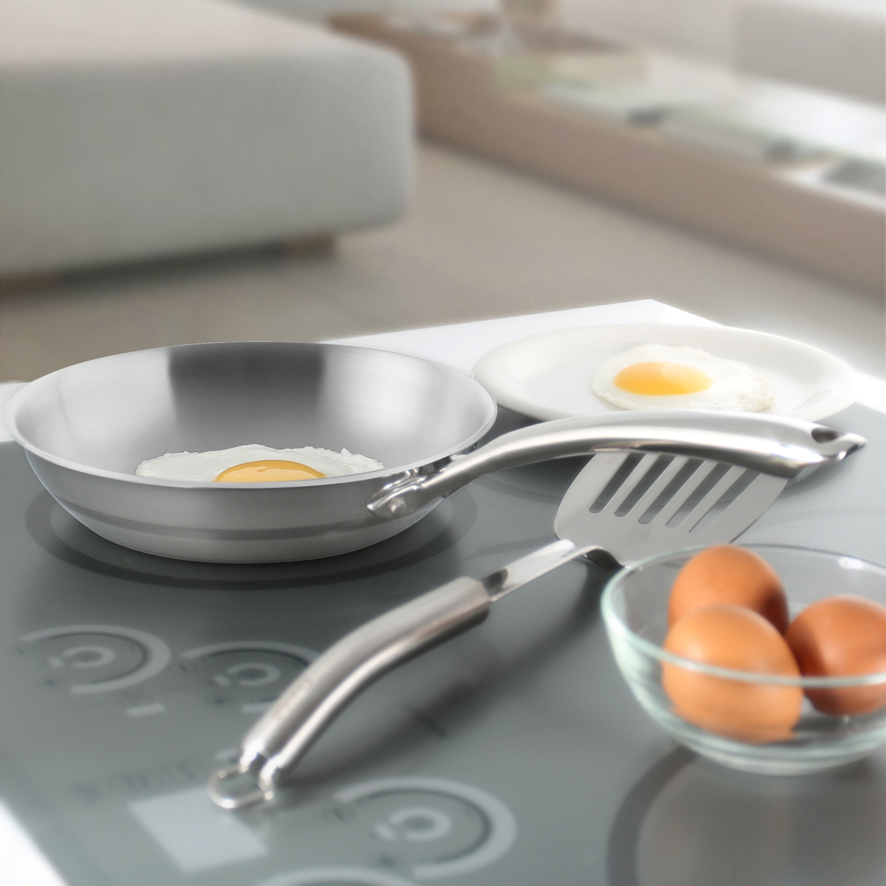this 8 inch pan will heat up rapidly and respond immediately when you adjust the temperature on your stove