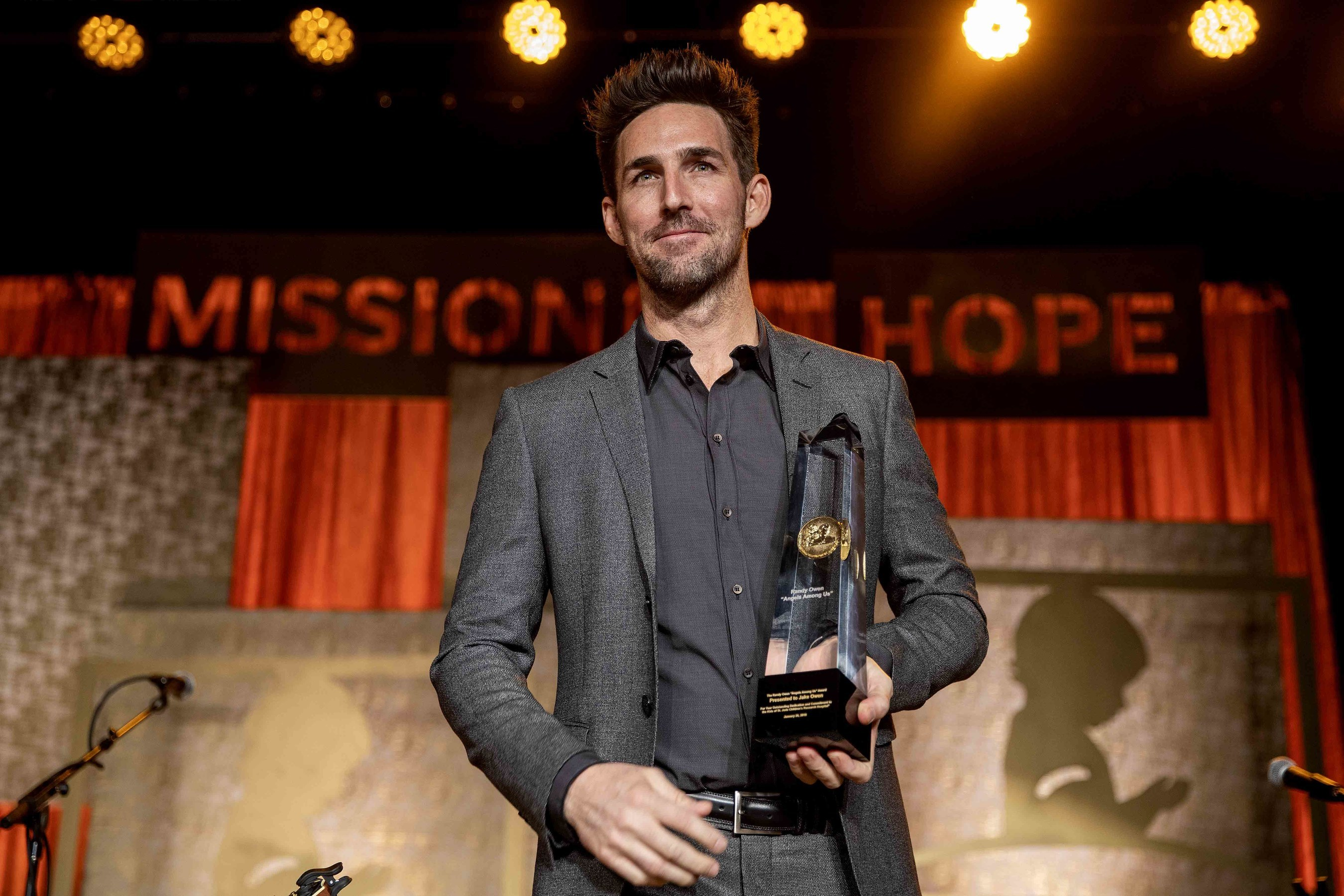 St. Jude Honors Jake Owen with Angels Among Us Award