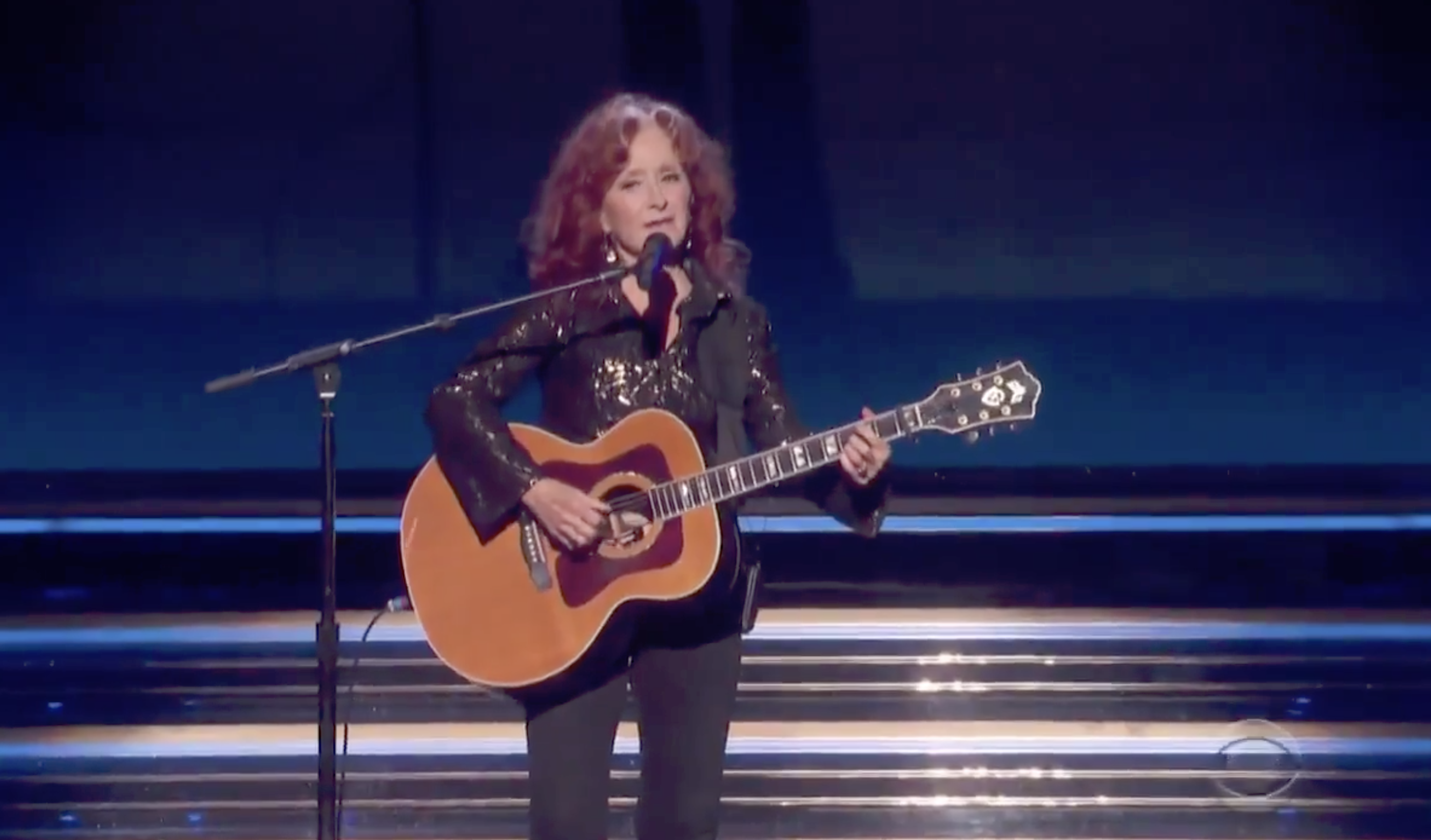 Bonnie Raitt Pays Tribute to John Prine With Soulful 'Angel From Montgomery' at 2020 Grammys