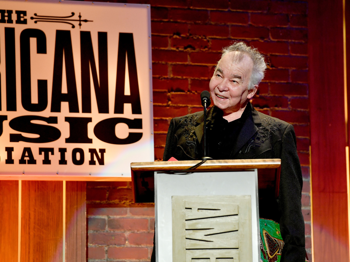 Prine Wins Artist of the Year at 2018 Americana Music Awards!