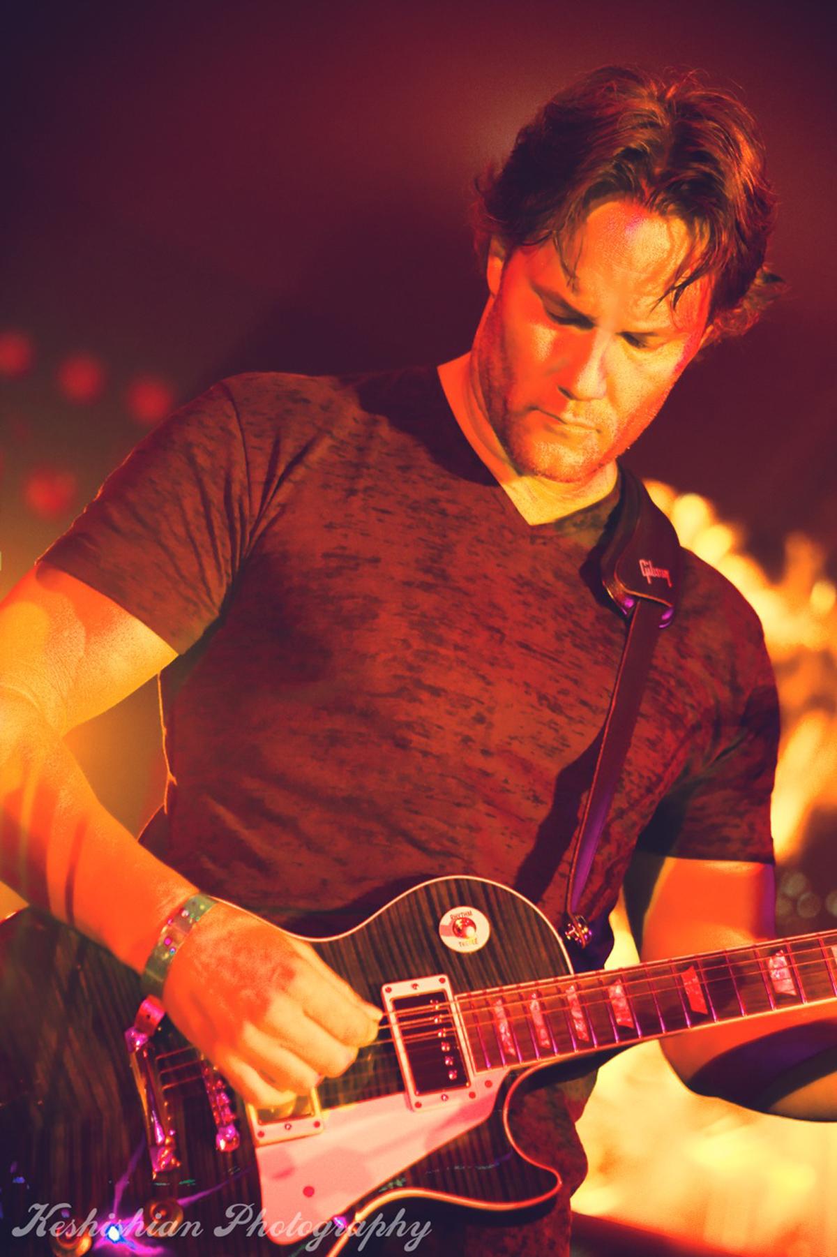 Keith Guitar Orage 1.jpg
