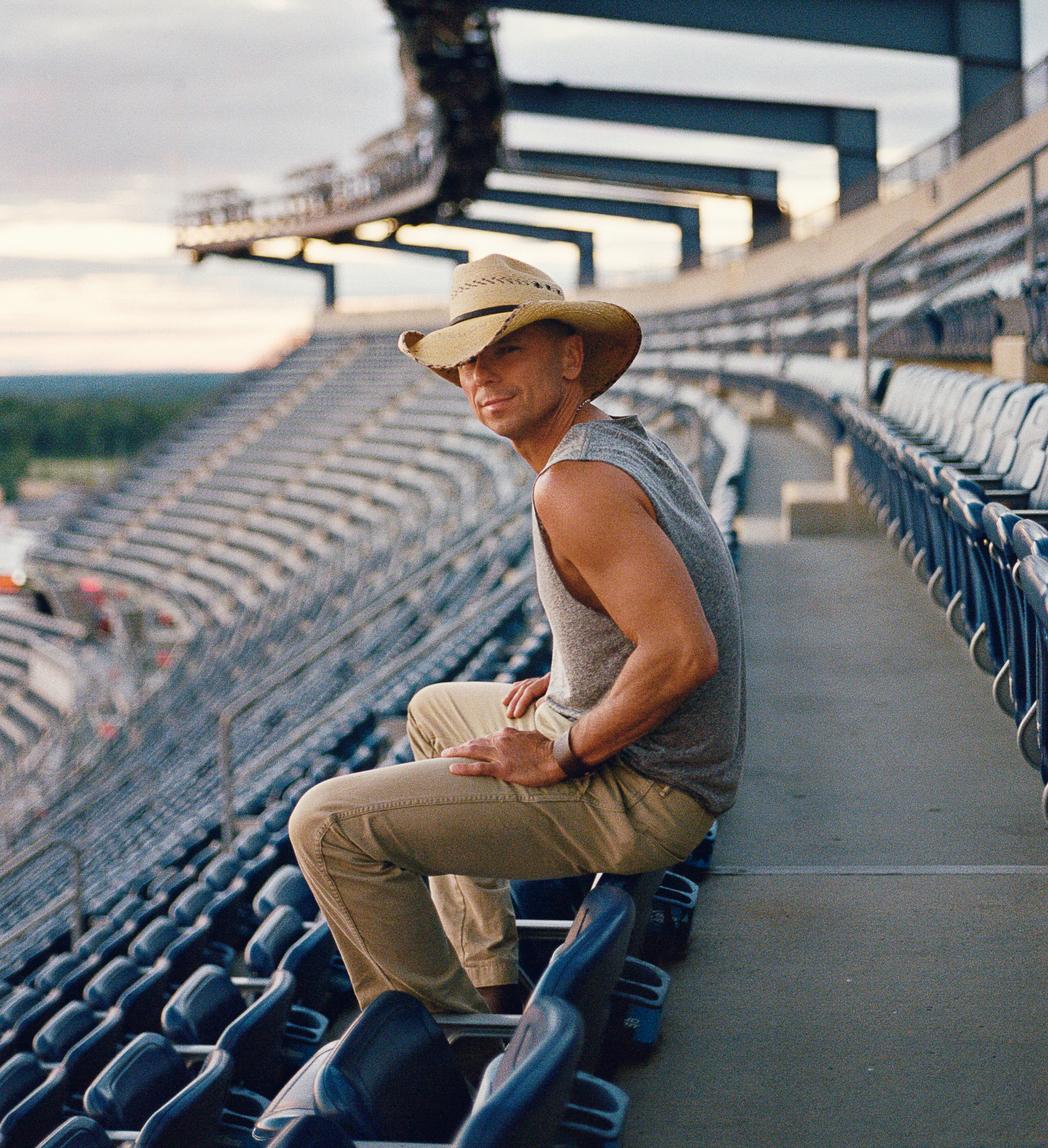 Cool Official Website Of Kenny Chesney Beutiful Home Inspiration Ommitmahrainfo