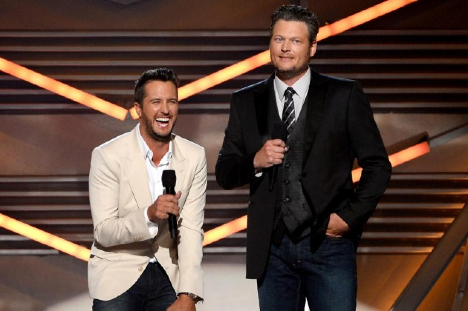 News luke bryan luke bryan joining blake shelton s team for the voice in 2017 kristyandbryce Image collections