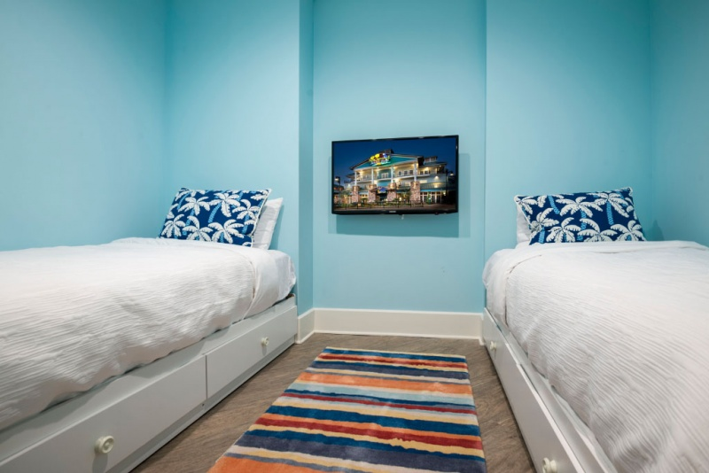 St  Somewhere SpaMargaritaville Hotel at Pigeon Forge  TN Margaritaville Island  . 2 Bedroom Suite Hotels In Pigeon Forge Tn. Home Design Ideas