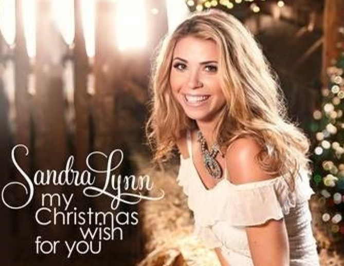 Country Music Singer/Songwriter, Sandra Lynn, to Make Ryman Debut and Release Instant Holiday Classic My Christmas Wish for You