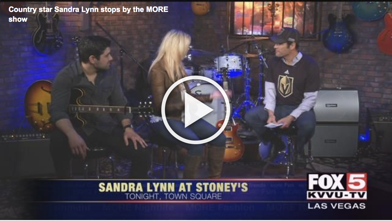 Country star Sandra Lynn stops by the MORE show