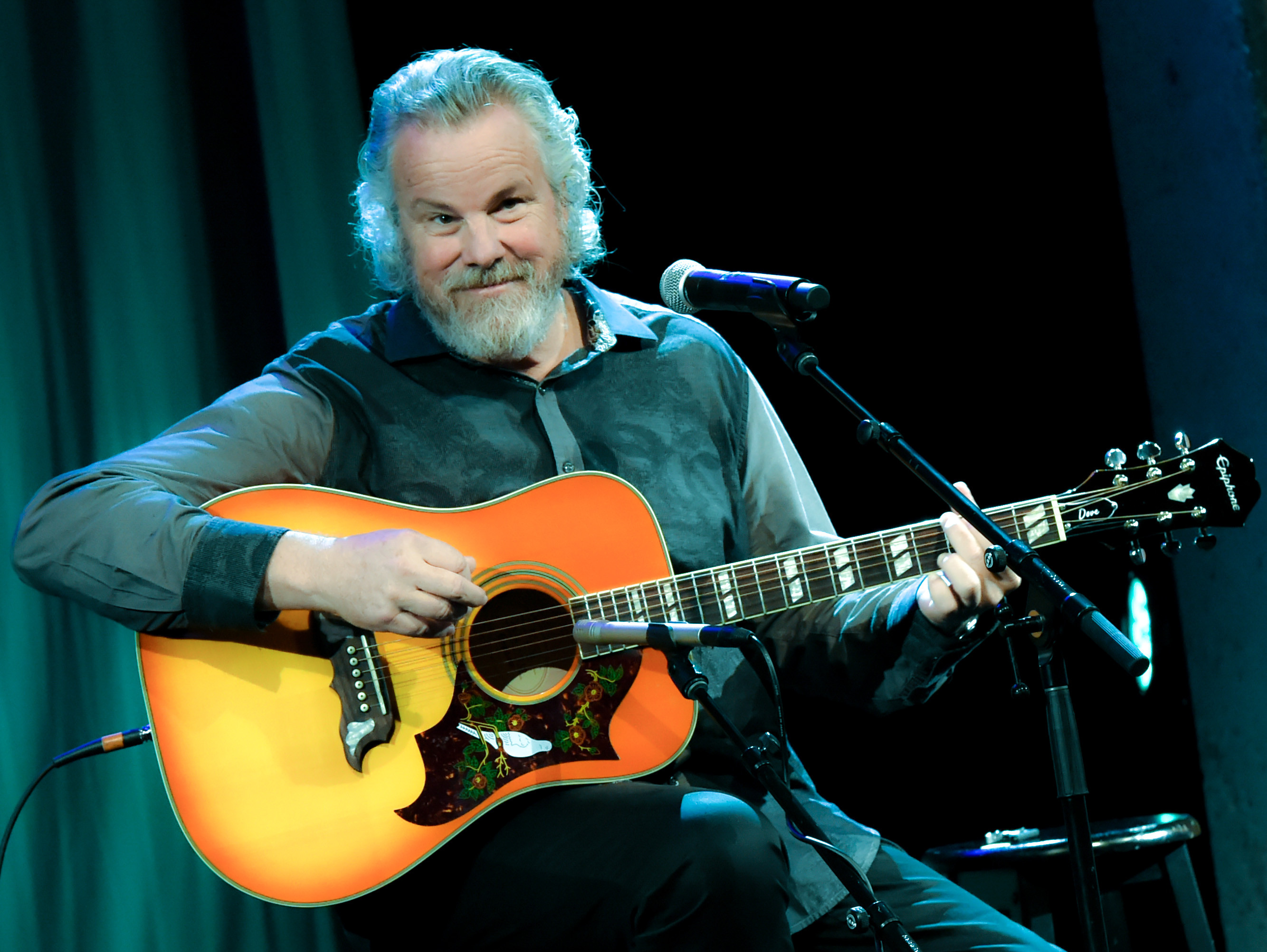 Why Robert Earl Keen Is Hosting an Americana Podcast