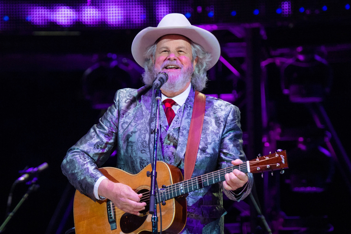 Robert Earl Keen to Play Social-Distanced Shows at Texas Club