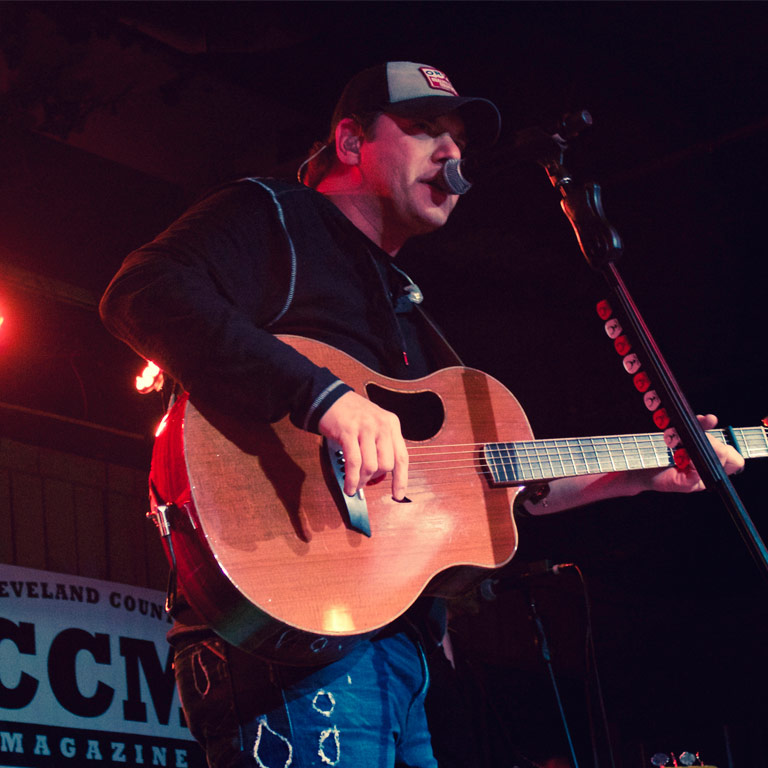 "Atkins Gets Crowd ""Caught Up In The Country"" at Thirsty Cowboy"