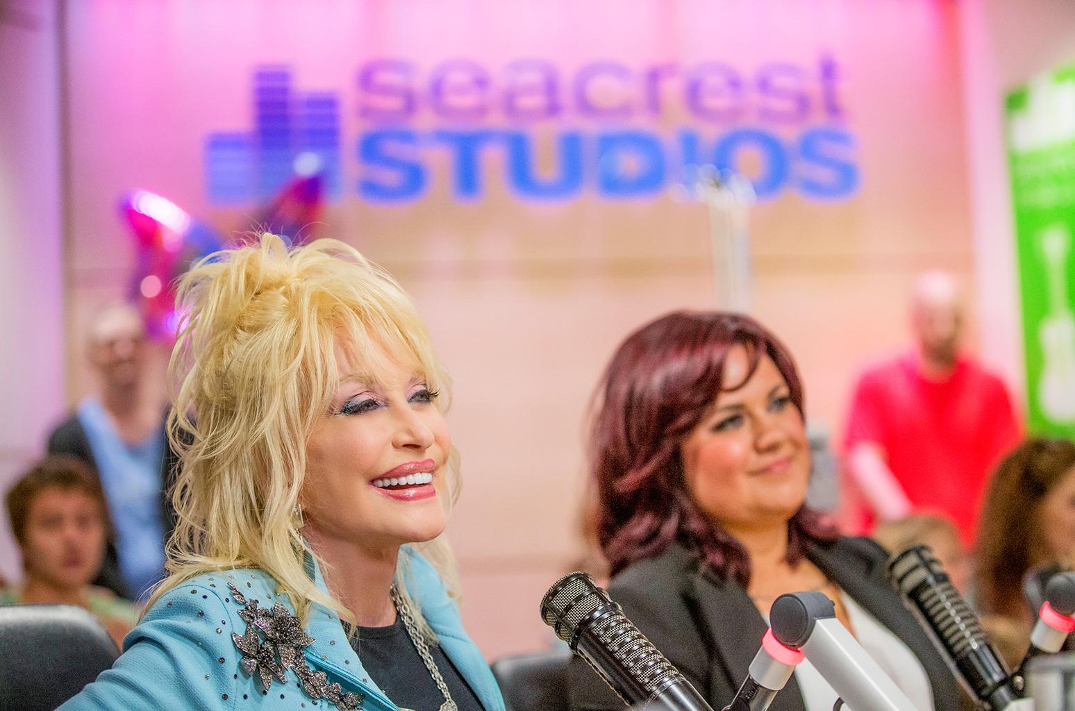Dolly Parton.jpg Dolly Parton.jpg