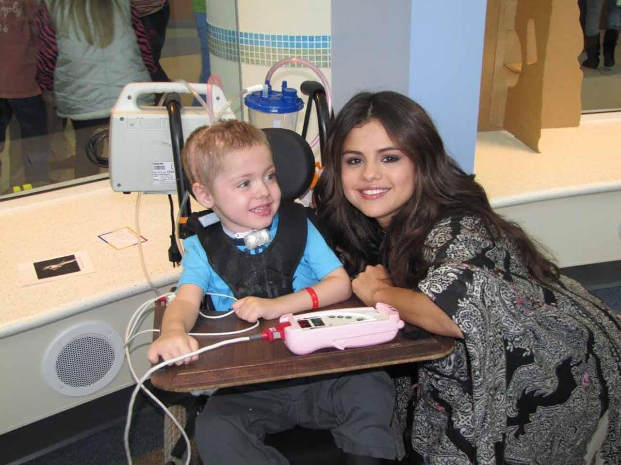 Selena18.jpg Selena18.jpg