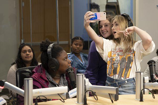 Childrens National Patient Teaches Sabrina Carpenter How To Floss!