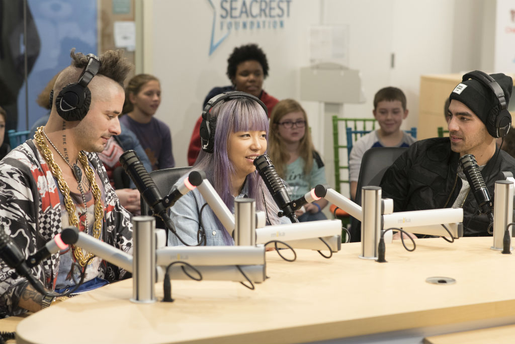 """DNCE Plays """"Finish That Song"""" With Patients at Children's National"""