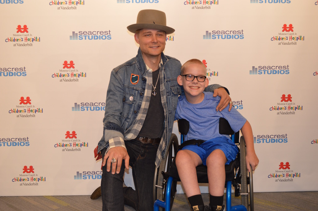 Frankie Ballard Sings 'Young and Crazy' With A Patient In Seacrest Studios