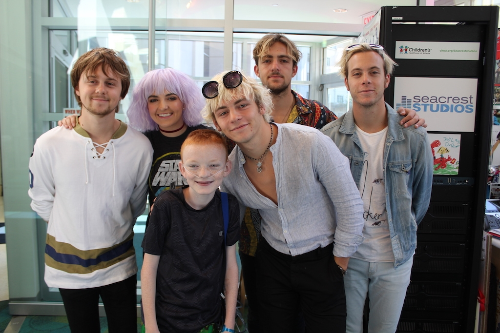 R5 Gives Patients Advice About Following Their Dreams!