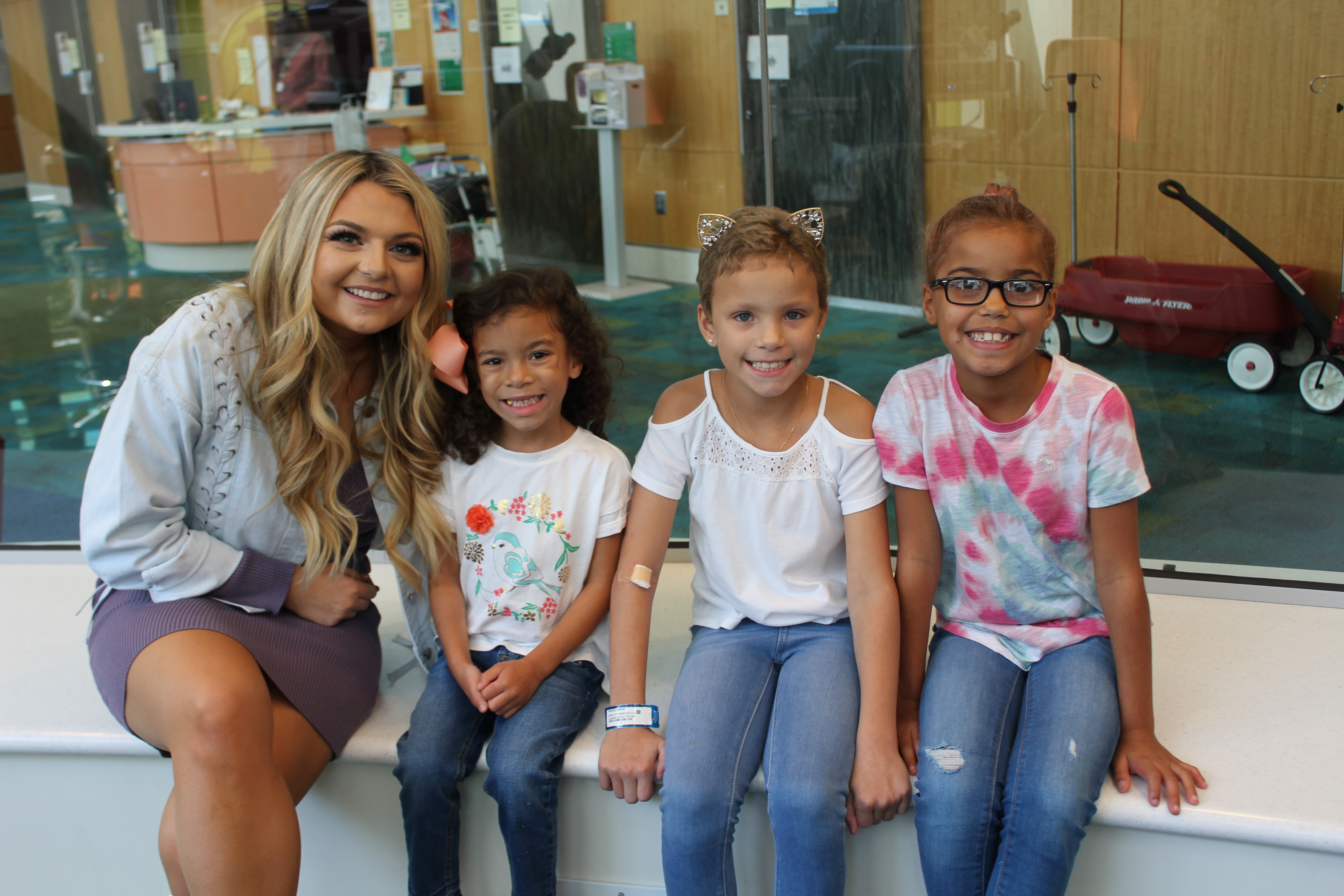 Taylor Grey Makes a Special Visit to Children's ATL