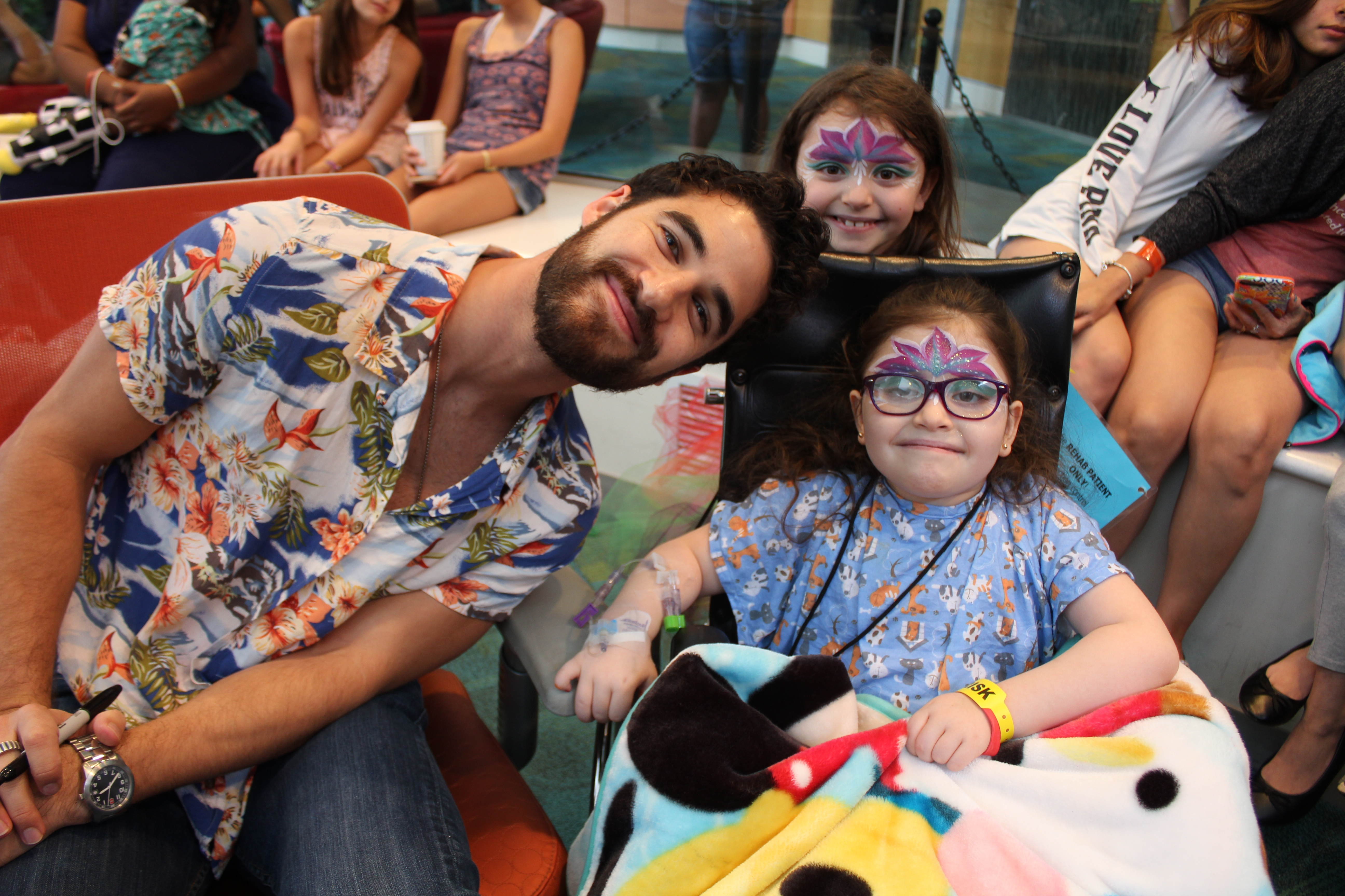 """A """"Glee"""" Filled Visit With Darren Criss!"""