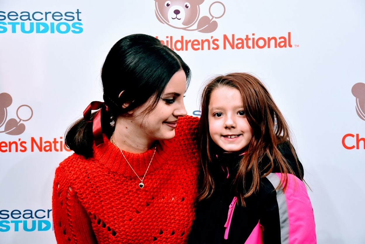 Lana Del Rey Brings all the Sparkle to Children's National!