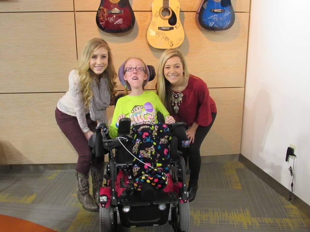 Cincinnati Children's Hospital Welcomes Maddie & Tae