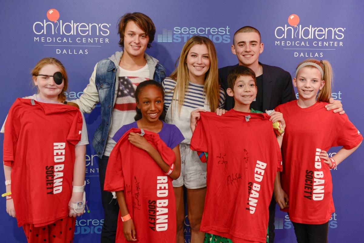 Lindsey Stirling Meets Her Biggest Fans At Seacrest Studios