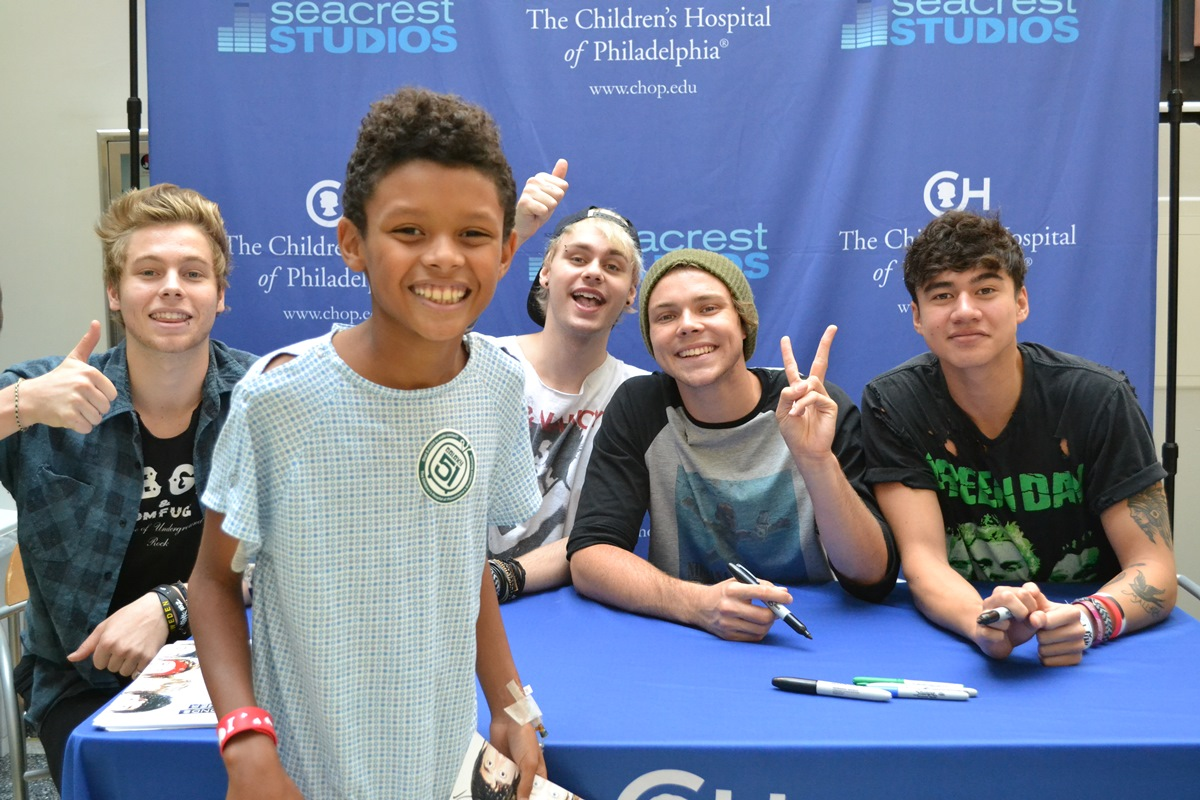 5 Seconds Of Summer Answer Patient Questions At Seacrest Studios
