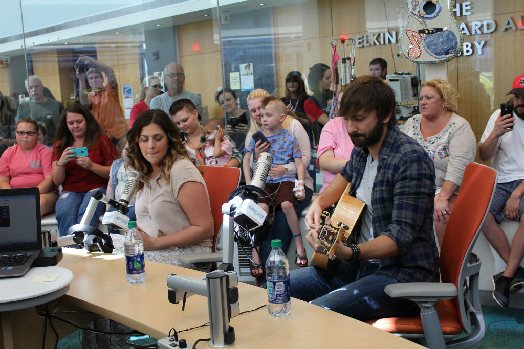 Lady Antebellum Sings With Patients At Children's Healthcare of Atlanta!